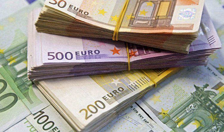 صورة ارتفاع سعر اليورو وخسارة الدولار بفعل مخاوف اقتصاديه