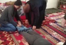 صورة تصرفات مراهق تودي بحياته .. على يد أبيه وأخيه